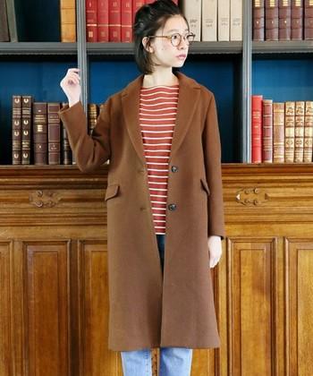 ブラウンのロングコートは着まわし力抜群で、冬にもってこいのアイテムです。 どんなファッションも大人っぽく素敵に見せてくれる魔法のような一着。