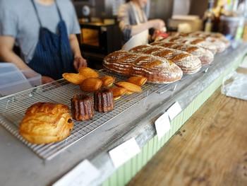 PATHでは食事はもちろん、手作りのパンも販売して一緒に購入することも出来るんです。