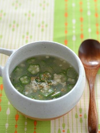 トロトロのオクラと、鶏がらスープのあっさりした旨みがクセになりそうなスープ。さっぱりしているのに、にんにくとごま油の風味で、お肉料理にも合いそうですね。