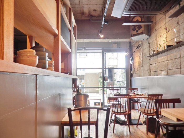 こちらのお店はワインが豊富に用意されているので、料理に合わせてマッチしたお酒を楽しめるのも人気の理由です。