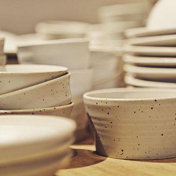 おうちに1つは欲しいシンプルで美しい白い器。日本のお料理にもぴったりマッチするのでお料理するのも楽しくなりそうです♪