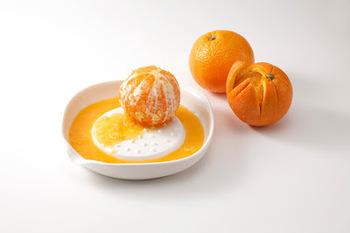 オレンジをおろせば果肉感たっぷりのジュースに。粒々感がたまらない贅沢なジュースの完成です。