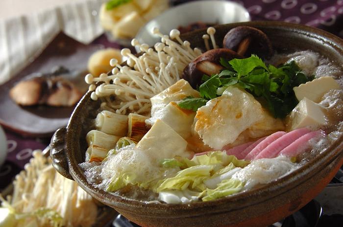 【みぞれ鍋】 楽におろせるから、大根をたっぷり使ったみぞれ鍋も気軽に作ることができます。おろしと旬のお野菜をたっぷり入れて冬の味わいを楽しみましょう。大根おろしが旨みを添えてくれます。