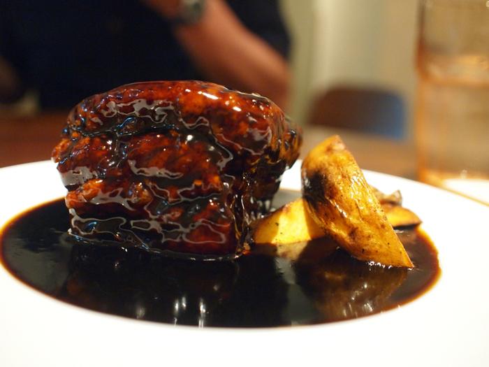 もちろん定番の中華料理も楽しめます。黒酢酢豚は口の中でふわっと溶ける柔らかさでボリュームもたっぷりですよ。