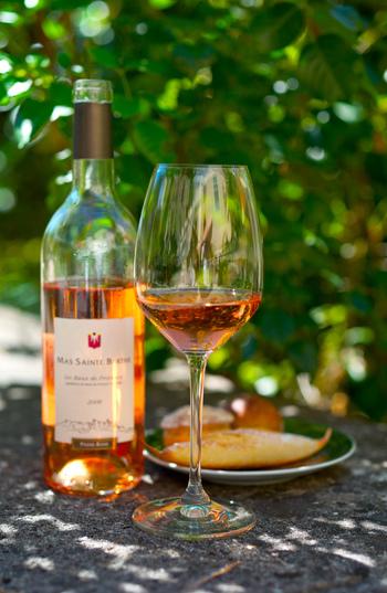プロヴァンスにはロゼワインが多いのが特徴です。プロヴァンスでは色んなロゼを試して見るのも楽しいですよ。