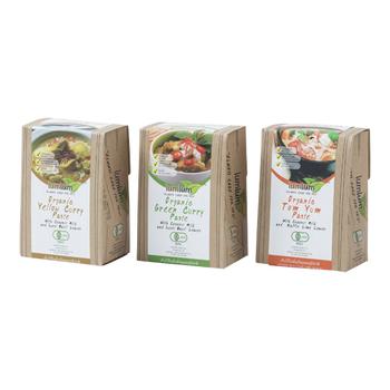 【オーガニックトムヤムペースト・イエローカレーペースト・グリーンカレーペースト】 タイ料理を手軽に楽しめるペースト3種。タイ北部の小さな町で自然農法の素材を使い、丁寧に作られています。グルテンフリー、ヴィーガン対応になっていて、野菜やハーブ、ココナッツミルクなど素材のシンプルな味が基本になっています。'ペーストを水で伸ばし好みの食材を加えて調理するだけ'という気軽さと'オーガニックな素材'への安心感、どちらも満たしながら、本場の味が自宅で再現できるなんて贅沢です。