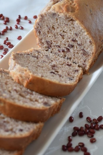 小麦粉と膨張剤、砂糖がすでに適切な分量で混ざっているホットケーキミックスを使えば、より手軽にパウンドケーキがつくれます。  とっても手軽だから、子どもも自分で作れちゃいそう。