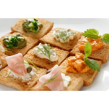 そのままディップのように野菜につけたり、クラッカーやトーストにのせてもいいけれど、サラダドレッシングに加えたり、お料理の隠し味に使ってみてもよさそうです。