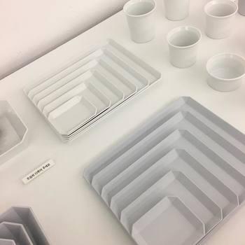 シンプルで使いやすそうな食器は飽きることなく使えるので重宝します。何に使おうか考えながら選ぶのも楽しいですよね。 どこにでもありそうでないデザイン、心惹かれるものがあります。