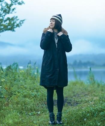 冬のミリタリーファッションの定番『モッズコート』は、スカートに合わせれば大人の可愛いフェミニンな印象に、デニムパンツに合わせれば王道カジュアルに…など、1着あるととても便利な優秀アウターです。