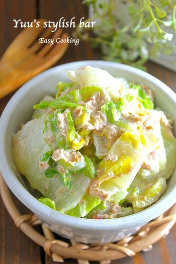 5分で作れて、白菜を1/4個も消費できる、白菜救済レシピ。ツナ缶さえあれば、白菜を茹でておうちにある調味料で和えるだけ。旬の白菜がモリモリ食べられます♪