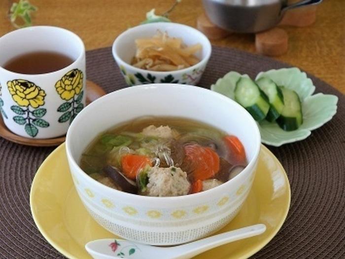 白米は要らないけれど、満腹感が欲しい日にぴったりな具沢山スープ。春雨なら小食のお子様たちも食がすすむかも!?