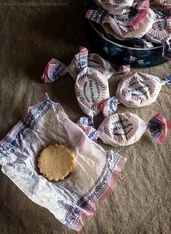 キャンディー状にくるまった可愛いパッケージのものも多いので、お土産にも喜ばれそう!