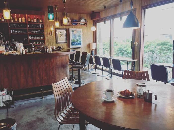 北欧家具で統一された店内は、お洒落なインテリアショップのような洗練された空間です。