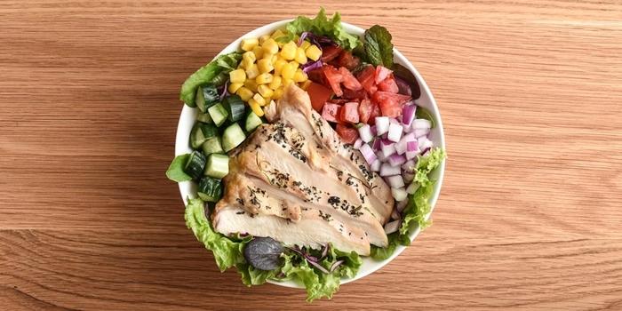 食べごたえも抜群で栄養たっぷりのサラダ。安心でおいしいサラダを食べるとリフレッシュした気分になりますね。ボリュームも満点なのでお腹いっぱいになります。お肉にもクオリティ、ボリュームとこだわりがあり、サラダに合ったお肉がチョイスされています。