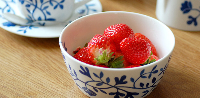 1人分の器として、シリアルや煮物などをゆとりを持って盛りつけられる大きさ。小鉢としておかずを盛りつけたり、スープなどにも。アイスクリームやフルーツなどデザートボウルとしても使える、使いやすさバツグンのアイテムです。