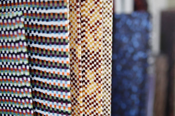 他にも艶のある質感や透明感に優れ、ブロックやマーブル模様など複雑な柄も作り出せることも特徴です。