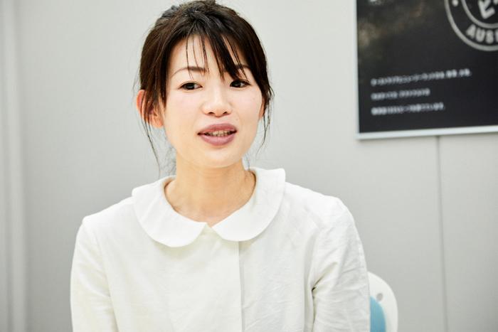 """ちょりママ(西山京子)さん…料理家。""""子どもも大人も一緒のごはん""""をコンセプトに、簡単で手軽なアイディアレシピを考案している。ブログ『ちょりまめ日和』運営。私生活では女の子と男の子の二児のママ。"""