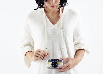 さらに、リエカメよりレザーブランド「ke shi ki」とコラボレーションした、カメラストラップができあがりました。