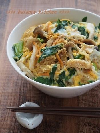 忙しい朝には、ワンボウルでささっと衣笠丼はいかが?材料を合わせたら、電子レンジでチン!お野菜たっぷり栄養満点で時短なのが嬉しいですね🎵洗い物も少ないから助かりますね。