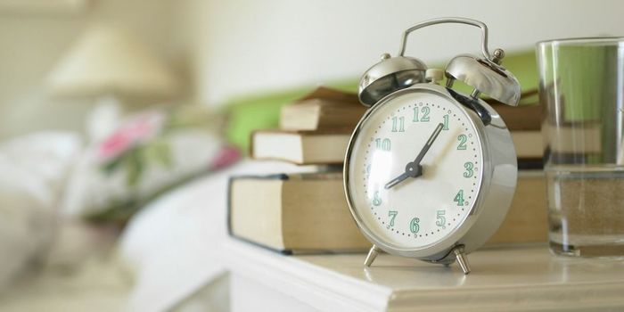 有効な朝時間を作るためには、ちょっとだけ早起きすることが必要です。ただ睡眠時間を削って早く起きるのではなく、夜寝る時間を早めるとその分朝は早く起きることができますね。早寝早起きは生活リズムを整えて、心にゆとりを持たせてくれます。