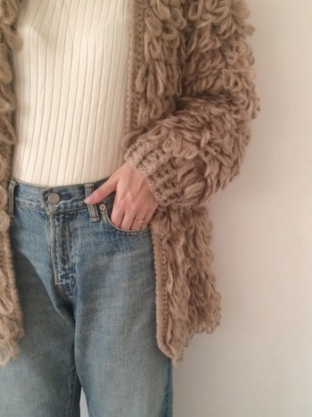 いかがでしたか?立体感のあるループ編みがニュアンスたっぷりのループカーディガン。着こなし次第で、フェミニンにもカジュアルにも仕上がるので、今年の冬コーデにぜひ取り入れてみて下さいね!