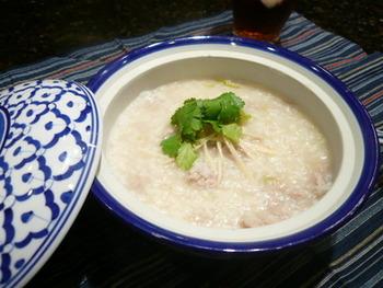 こちらは、ひき肉が入った香港スタイルのおかゆのようです。何杯も食べられるほどおいしいそうですよ。