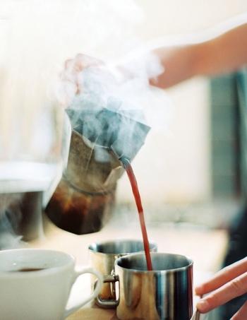 朝、パンの焼けたこうばしい香りやご飯の炊ける甘い香り、コーヒーの深みのある香りに包まれて起きることを想像してみてください。美味しい香りに誘われて、ついついいつもより早く起きちゃうかも。