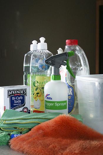 いろいろな種類の洗剤を使って一生懸命やっても落ちない汚れ、ありますよね? 無水エタノールなら面白いほど汚れが取れちゃうんです!