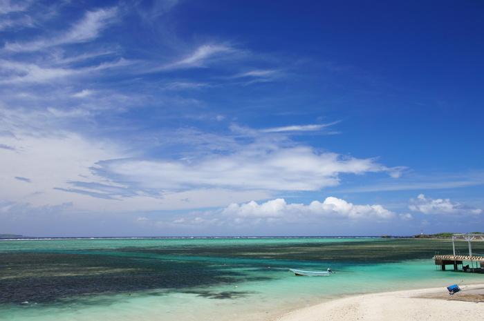 備瀬集落のすぐ近くにある備瀬埼では、珊瑚礁に囲まれたビーチが広がっています。