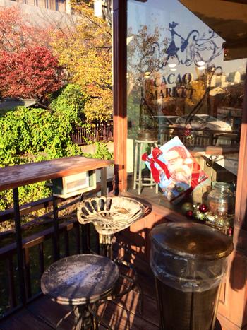 和菓子なイメージの京都ですが、実は個性的なチョコレート屋さんがたくさん在ります。自家製チョコレートが美味しいカフェなどもきっと見つかるはず。 みなさま、京都で甘く楽しいひとときをお過ごし下さい。
