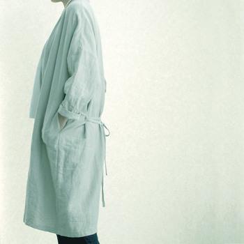 ノーカラーコートは夏ではリネンで冷房の寒さ対策としての羽織ものとして、秋冬ではウールで作ってみたいですね。自分で作るからこそ、好きな素材、生地で作ることができます。