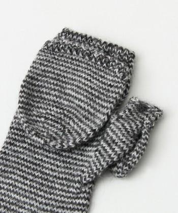 カバーをはずすと5本全ての指を出すことができるので、寒空の下で細かい作業をするときなどに便利。大切な方へのプレゼントにもおすすめです。