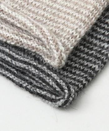 一目一目ていねいに編み上げられた、手仕事の温もりを感じるアイテムです。