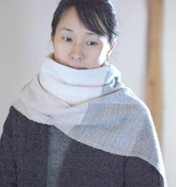 「PUENTE(プエンテ)」は、ボリビアとペルーのつくり手さんが手仕事でていねいにつくりあげた、自然素材で体をあたためる衣服を提供しています。