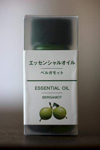 エッセンシャルオイルもいいですね。アロマやオイルの香りの強さで、配合のレシピを変えながら楽しんでくださいね。