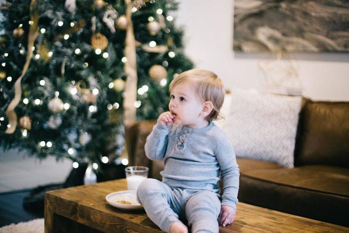 クリスマスもやっぱり家族で!という人もいると思います。 お子さんも一緒に家族水入らずの時間を過ごすのも素敵ですよね。  お母さんの作ったおいしい料理を家族で囲むのもまたクリスマスの楽しみ方。 そんな家族でのあったかいパーティーにぴったりのBGMを探しました。