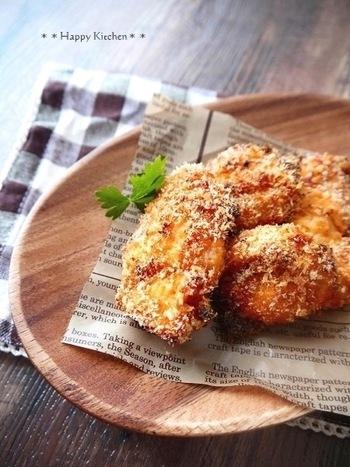 ◆トースターでサクサク♪鶏むね肉のコンソメチーズチキンかつ◆  こちらはトースターを使って作るチキンかつ。パン粉にあらかじめ粉チーズとコンソメを混ぜておくのがおいしいポイントです。