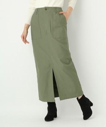 ミリタリースカートは、おしゃれさん必見のアイテム。 大人っぽいカジュアルスタイルを演出してくれる最強の一着になるかも…?