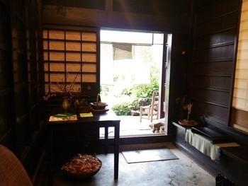 「わっぱ堂」は、築130年の古民家を改装したレストラン。完全予約制の大原の人気店です。