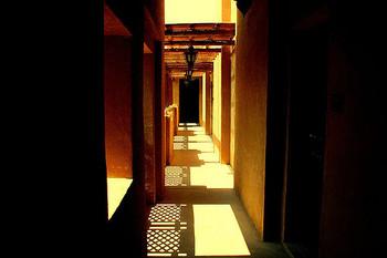 一歩足を踏み入れれば、そこは砂漠のオアシス。物語の世界へ迷い込んだような砂漠のリゾート地をぜひ訪れてみてくださいね。