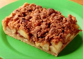 アメリカ西海岸の雰囲気たっぷりのこのお店では、イチオシのアップルパイはじめ、バーガーやロティサリーチキンなどのアメリカ料理を味わえます。
