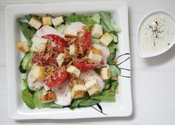 ドレッシングの定番・シーザーサラダ風ドレッシングも、豆腐クリームで作れます♪