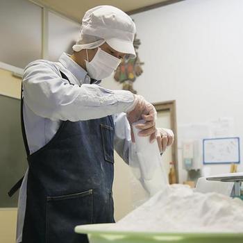 また高い製粉技術によって、従来は扱いにくかった米粉を扱いやすく、お料理に便利に使えるような工夫と改良がされています。