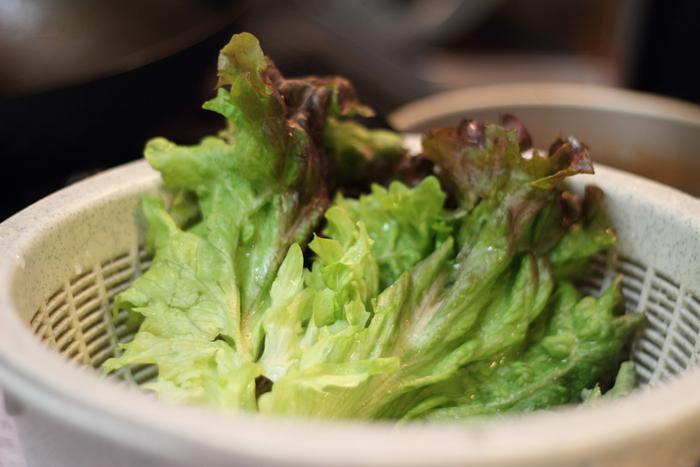サラダ巻きに欠かせないレタスは、しゃりしゃりとしたみずみずしい食感が美味。