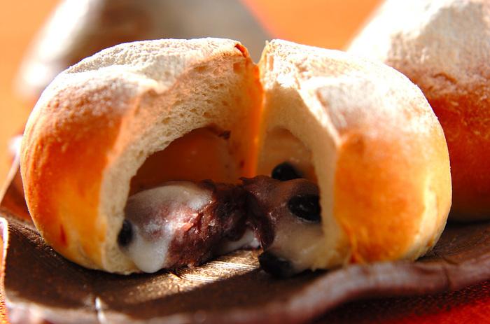 食べた人がびっくり喜びそうな、ジャムいらずのパンです。パン作りが好きな人はぜひ試してみてください。