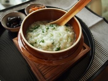 そんな時は、お家での食事はからだに優しい手作りごはんにしてみては?今回は、あったかで食べやすくて胃腸に良いレシピをご紹介します。