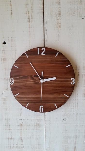"""""""時間""""というと何となく追いかけられているニュアンスがありますが、同じ時間でも""""ゆったりとした時間""""の中で暮らしていけそうな感じがする時計です。"""