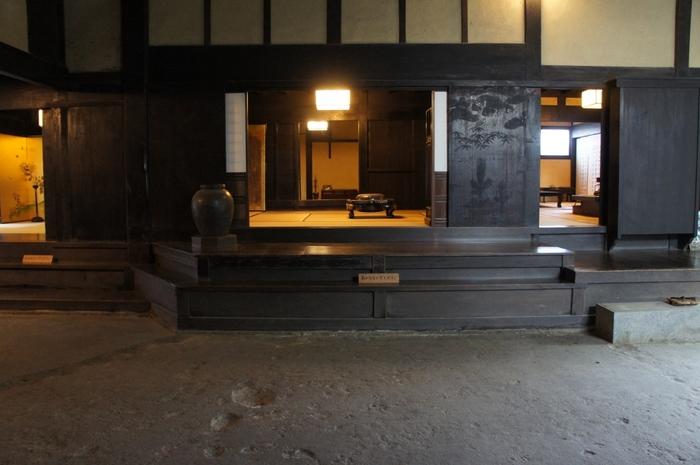 代々、領主、代官、町方支配として町の自治を担っていた今西家当主の住宅は、日本建築史上でも大変貴重な建物の一つに数えられています。尚、建物内部の見学は、事前予約が必要となるので見学希望の方は、今西家保存会へ問い合わせをしてください。