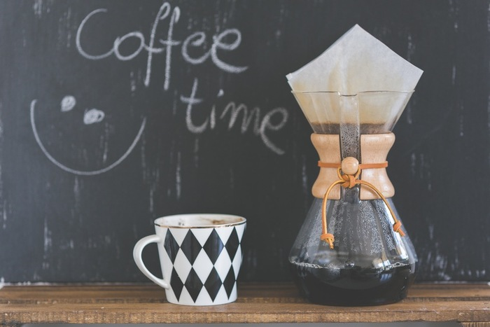 自宅のキッチンでゆっくりコーヒーを淹れる時間... コーヒーの良い香りとともに気持ちもリラックスしていきます。